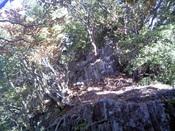 010ピーク先の岩.jpg