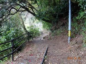 02. 見返り坂下の山道DSC01911.JPG