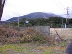 02上半分雲に覆われた鶴見岳.jpg