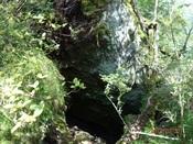 09.岩の隙間DSC02440.JPG