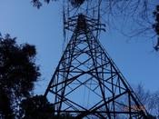 12 鉄塔を見上げるDSC03586.JPG