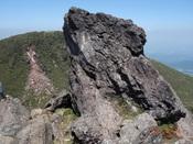 14. 東峰の山頂岩DSC04196.JPG