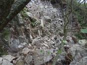 15.崩れた岩壁DSC02583.JPG