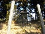 22山頂の神社.jpg