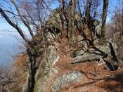 (38) 仮面のような岩DSC06602.JPG