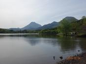 30 湖面越しに由布・鶴見DSC05924.JPG