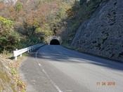 31. トンネルが近づくDSC03108.JPG