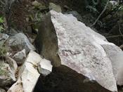 33.大きな石2DSC02603.JPG