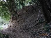34 墓地の下を通るDSC03617.JPG